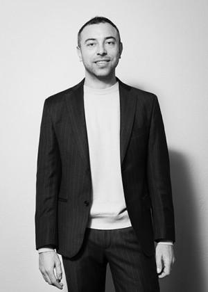Niccolò Perrelli Artistic Team Sales Account