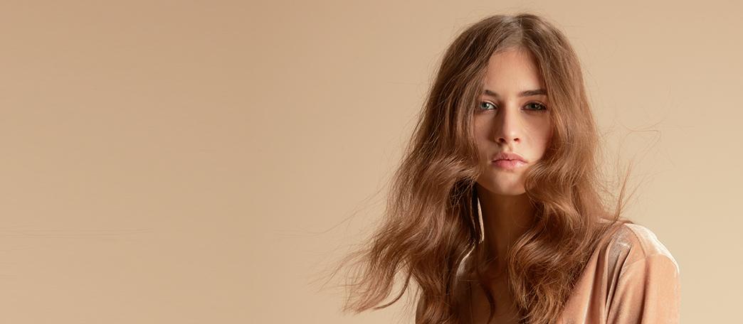 acconciature capelli biondi lunghi