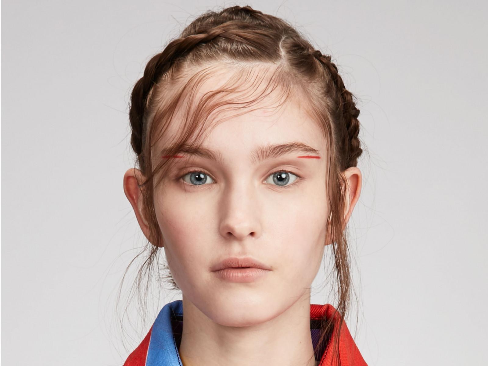 Baby hair: hairstyle di tendenza per acconciature minimal e chic!